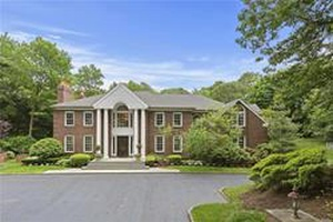 Brookville - Incredible All Brick Center Hall Colonial Located In Desirable 'Broad Hollow'